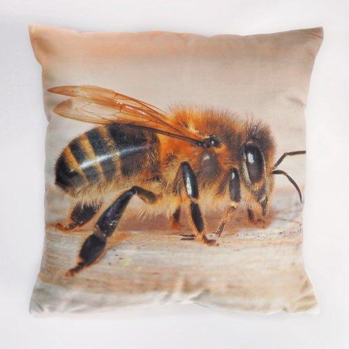 4711-106 Kissen mit exklusivem Bienenmotiv Foto © by Thomas Petschinka